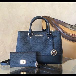 Nwt Michael Kors lg savannah handbag&wallet
